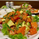 麺つゆで簡単!サーモン、マグロ、アボカドのポキ