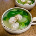 ふわふわ豆腐鶏団子と青梗菜のスープ